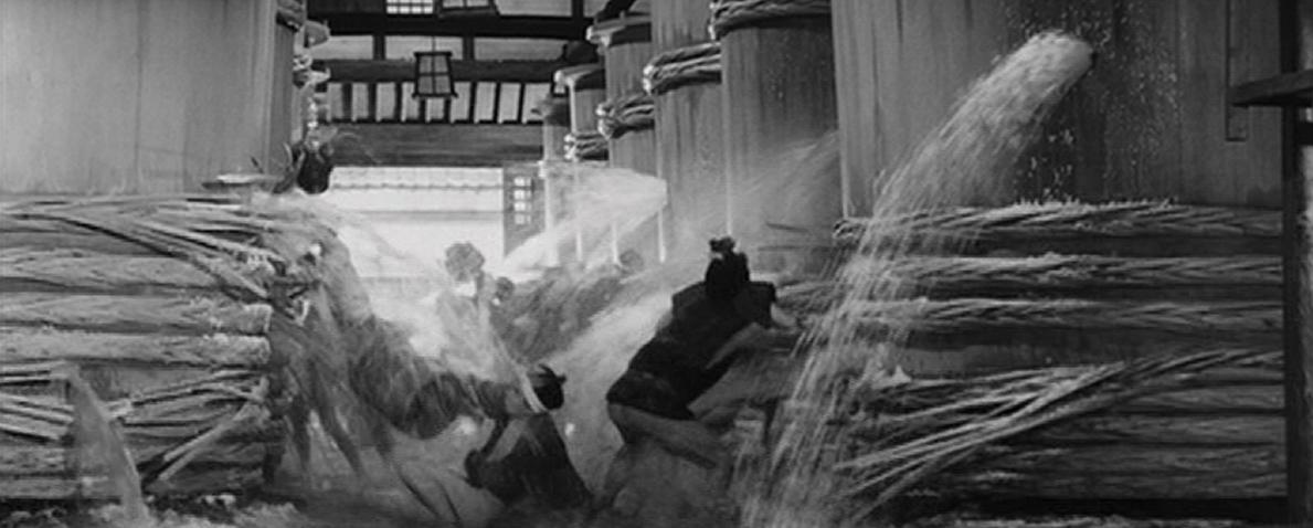 yojimbo_sake_spilling